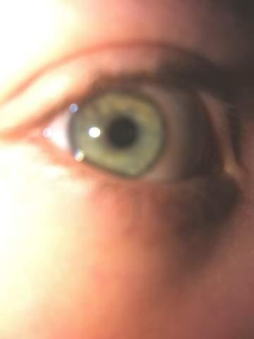 Augenfarbe mit creepy foto bestimmen?