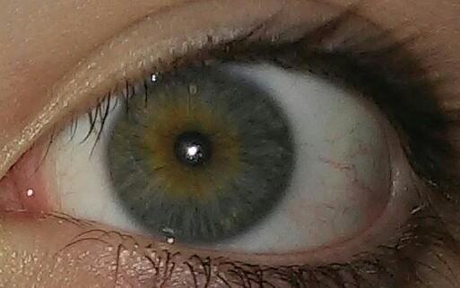 links - (Augen, Farbe)