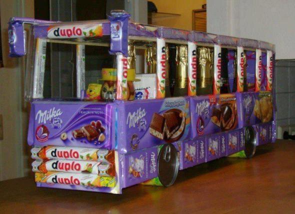 auto aus s igkeiten basteln geschenk bus schokolade. Black Bedroom Furniture Sets. Home Design Ideas