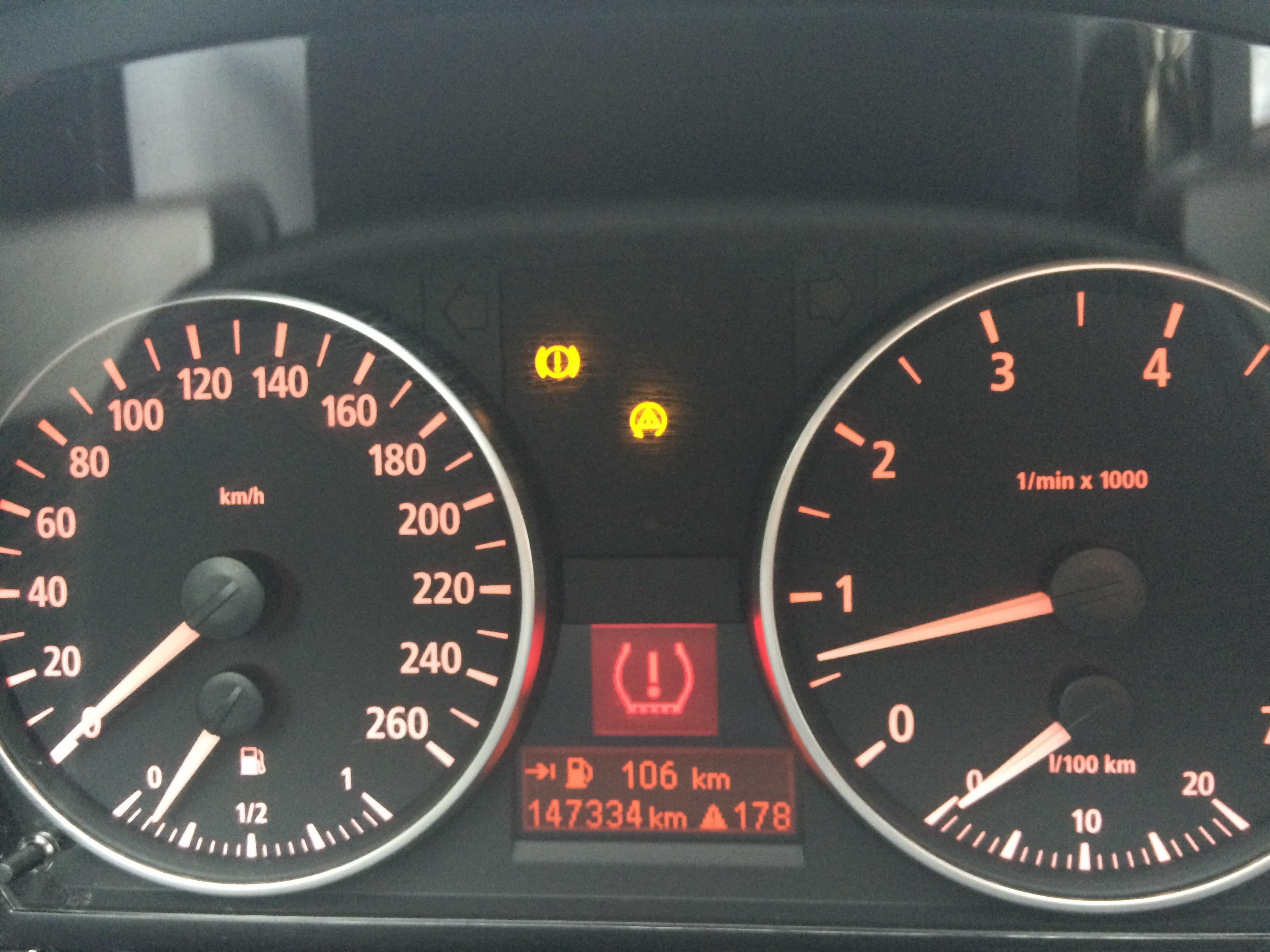 Auto Zeigt Fehlmeldungen An Fehlermeldung Bmw