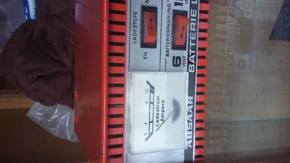 Ladegerät  - (KFZ, Autobatterie)