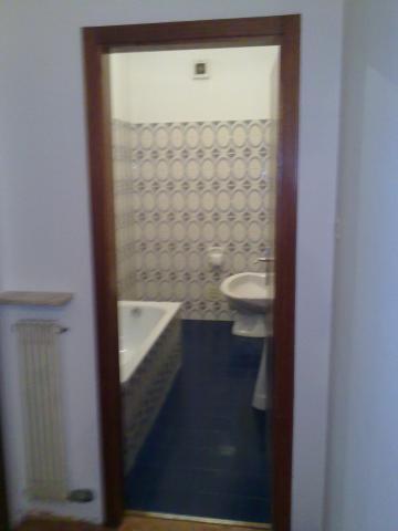 Gastherme verkleiden badezimmer die fcher sind auch mit - Fenster zieht es rein ...