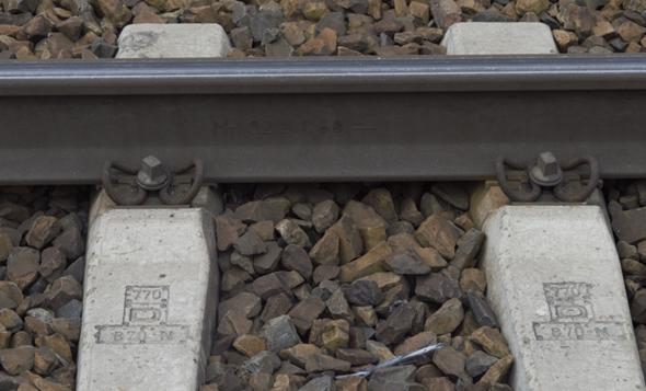 Bahnschwelle - Spannhartbetonschwelle, Was bedeutet diese Kennzeichnung/ Bezeichnung B 70-N, sowie die anderen?