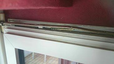 balkont r h ngt sich immer aus wer kann helfen handwerk reparieren balkontuer. Black Bedroom Furniture Sets. Home Design Ideas