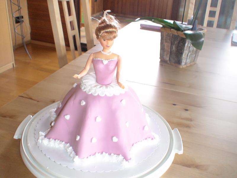 BarbieTorte ohne Gelatine und Marzipan? (Torte, Barbie)