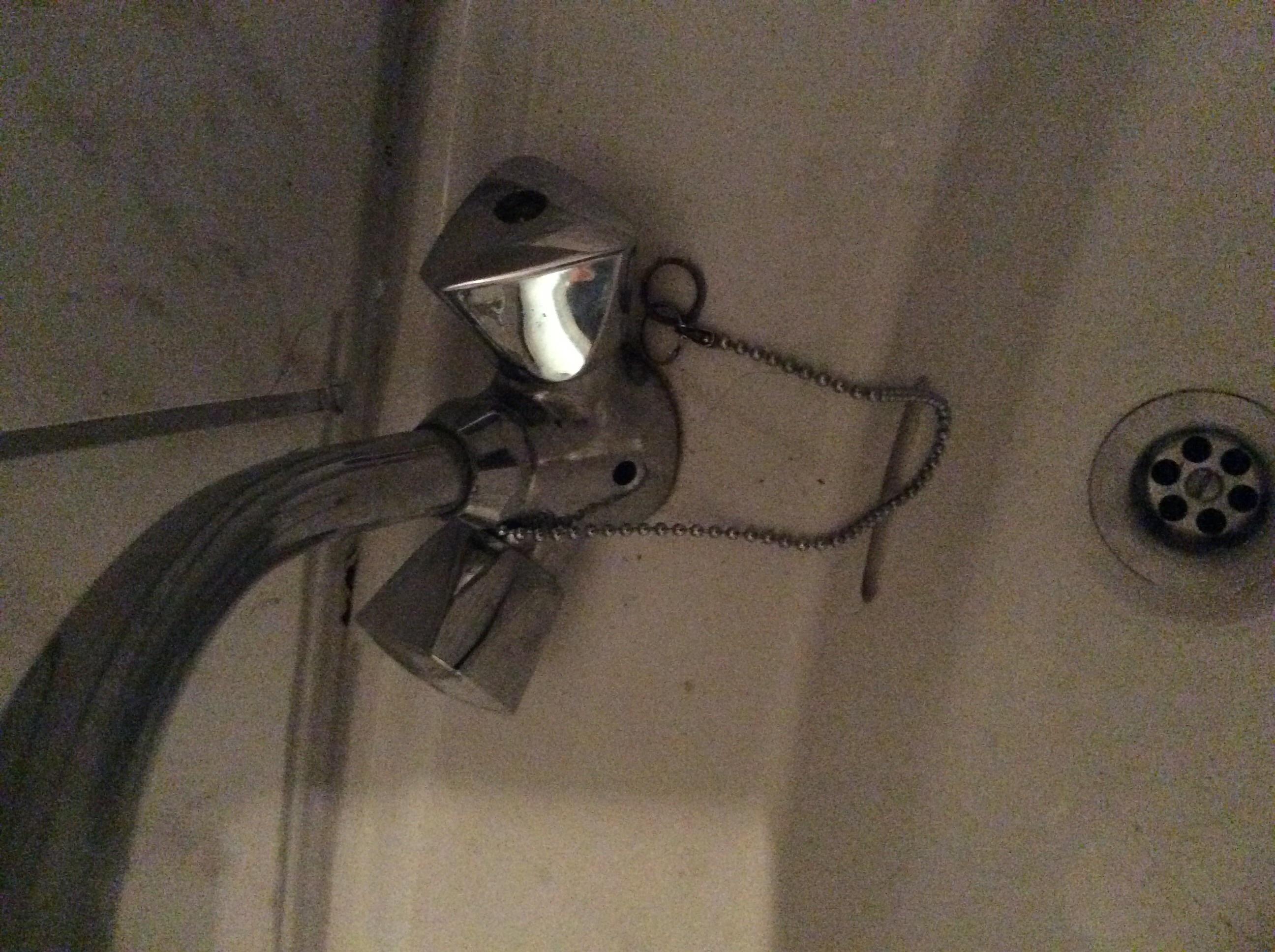 basezimmerwasserhahndrehknopf defekt Bitte schnelle Hilfe  ~ Wasserhahn Waschmaschine Abdrehen