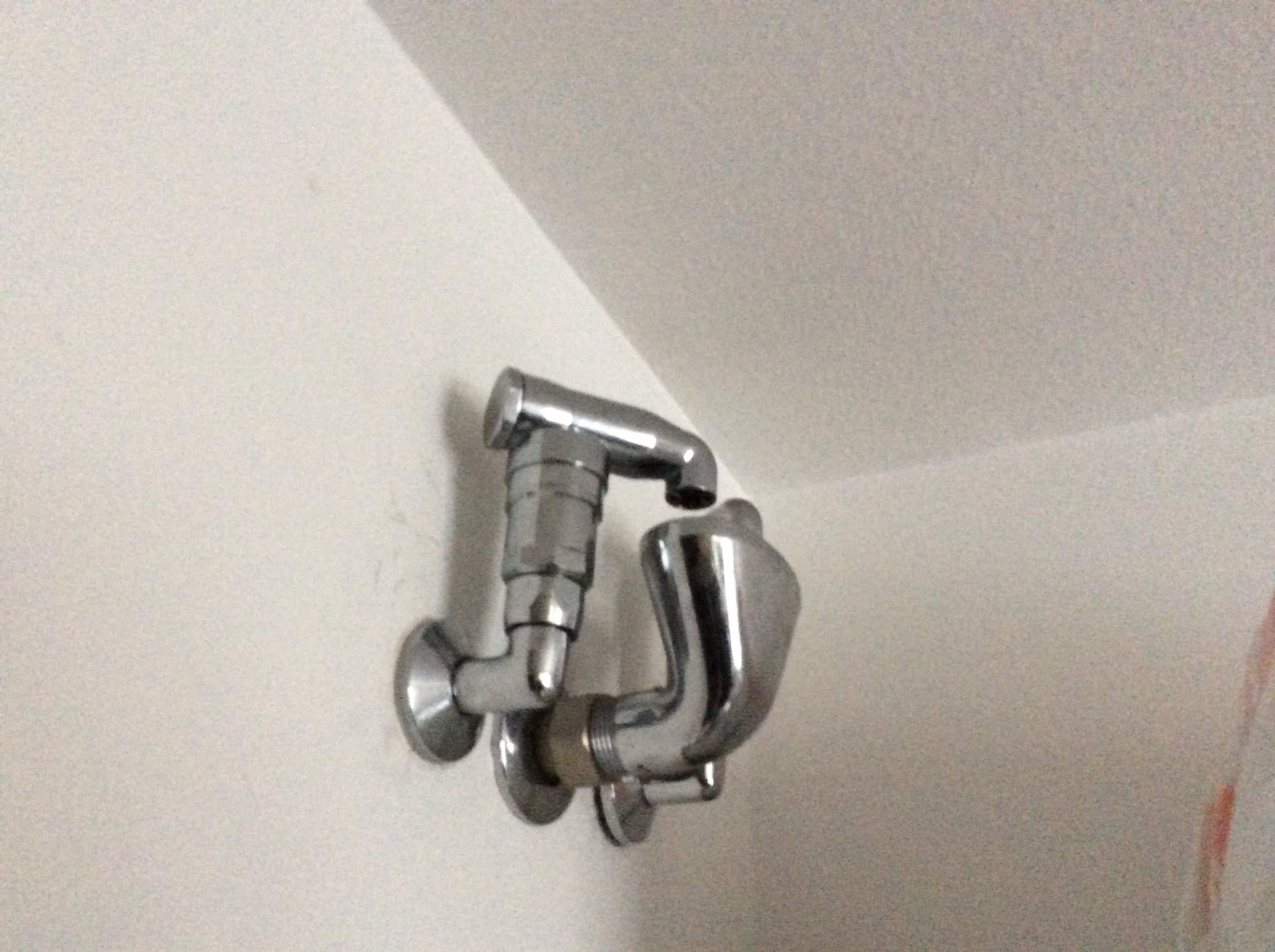Be  entlüfterventile im Bad Obergeschoss  Wasser, Installation