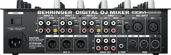 Wie kann ich einen Behringer DDM 4000 an den Laptop und ein Kaoss Pad KP3 an den Mixer anschließen?