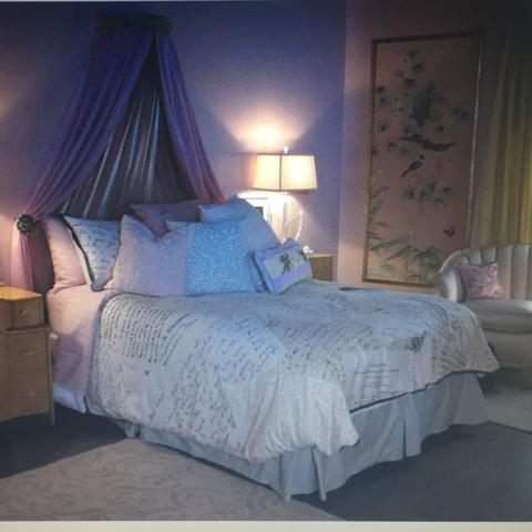 wo kann man ein bett wie das von alison dilaurentis von. Black Bedroom Furniture Sets. Home Design Ideas