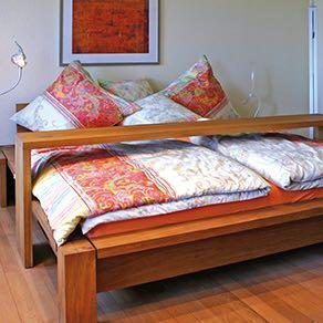 betttisch gesucht haushalt wohnen m bel. Black Bedroom Furniture Sets. Home Design Ideas