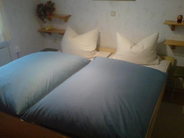 bettw sche mit kn pfe oder rei verschlu bett. Black Bedroom Furniture Sets. Home Design Ideas