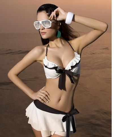 bikini mit angesetzden rock mode schwimmen. Black Bedroom Furniture Sets. Home Design Ideas