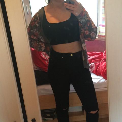 Hier ist mal ein Bild, also is des eher dick oder dünn? - (Gesundheit, Körper, Gewicht)