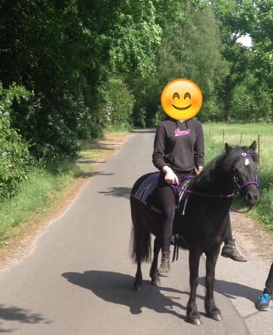 Hier ein Bild von ihr und mir - (Pony, zu schwer)