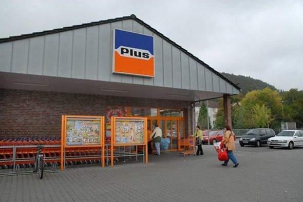 Bis wann konnte man in Supermärkten mit Deutscher Mark zahlen?