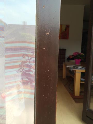 blasenbildung beim fenster streichen holz lackieren maler. Black Bedroom Furniture Sets. Home Design Ideas