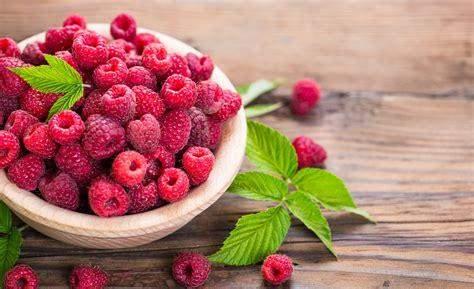 Blueberries or raspberries?
