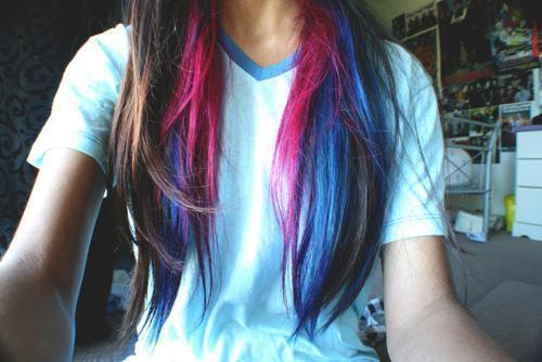 Blaue Strähnen Braune Haare Braune Strähnchen Auf Blondierte Haare