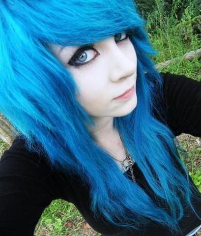 Blaue haare färben? *-* :| (Friseur)