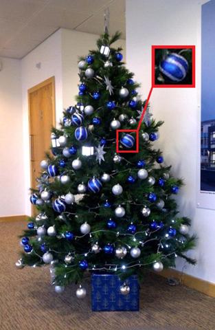 Blaue Weihnachtskugeln?