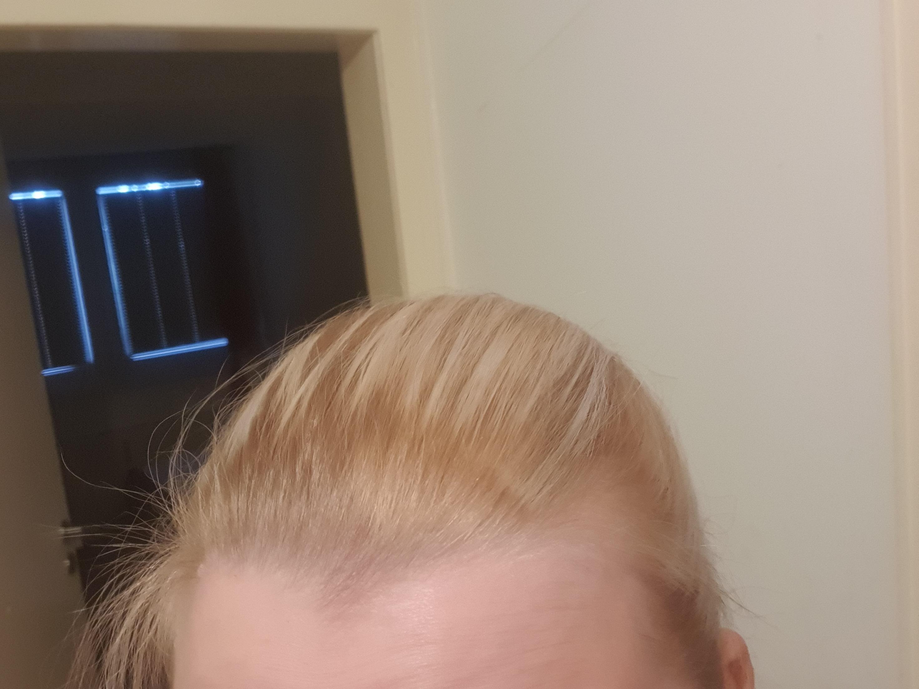 Blondierte Haare Schwarz Färben