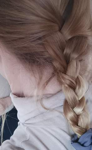 Haarfarbe mittelblond ohne grunstich