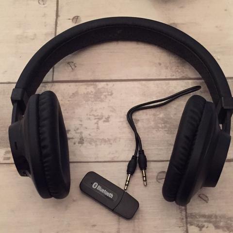 Die Kopfhörer und der Bluetooth-Reciver  - (Computer, PC, TV)