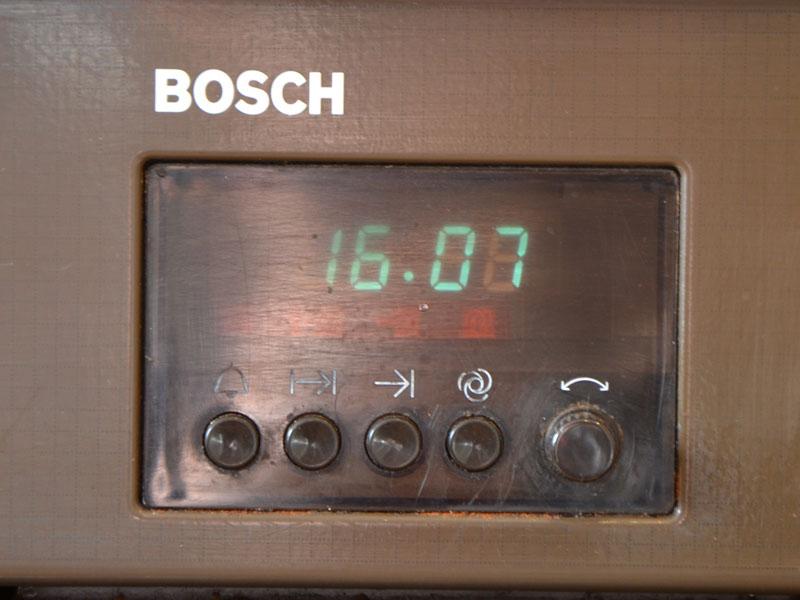 Bosch E-Herd Uhr einstellen (Technik, Küche)