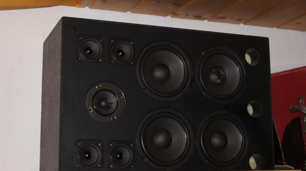 boxen knacken bei bass kaputt lautsprecher soundsystem. Black Bedroom Furniture Sets. Home Design Ideas
