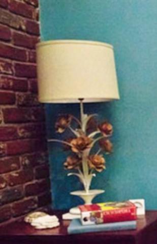 Blumenlampe  - (Serie, Lampe, Girl)