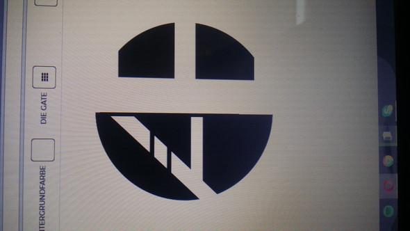 - (Logo, Clan)
