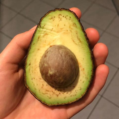 braune flecken in der avocado wie lange essbar gesundheit und medizin essen ern hrung. Black Bedroom Furniture Sets. Home Design Ideas