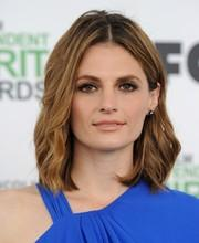 Oder so (Stana Katic) - (Haare, Farbe, blond)
