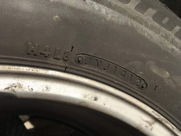 """Bridgestone Reifen mit """"JNJ1412, was bedeutet dies?"""