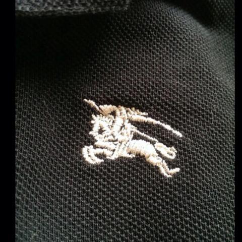 Burberry-Logo - (Fake, original, Burberry)