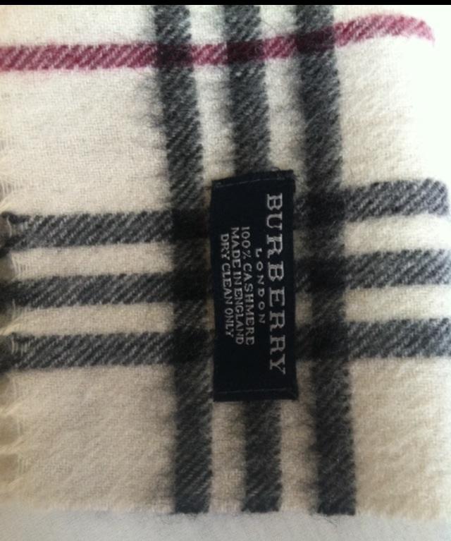 burberry schal fake oder echt faelschung echtheit. Black Bedroom Furniture Sets. Home Design Ideas