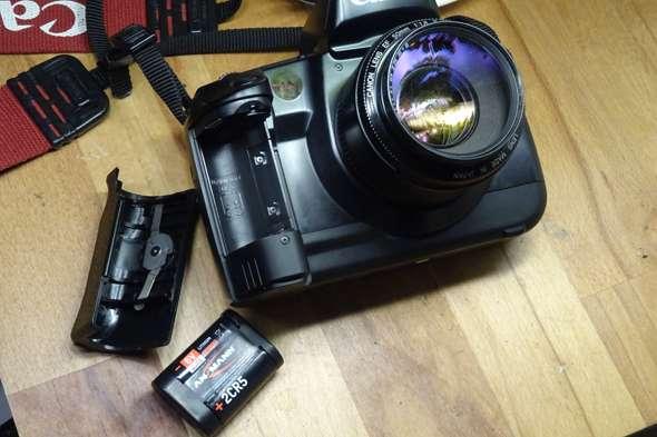 Canon EOS 5 analog - lässt sich nicht einschalten?