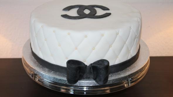 Bsp - (backen, Kuchen, Chanel)