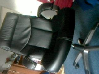 chef sessel geht von alleine runter haus m bel stuhl. Black Bedroom Furniture Sets. Home Design Ideas