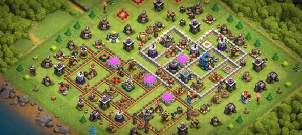 Clash of Clans farming/hybrid Base?
