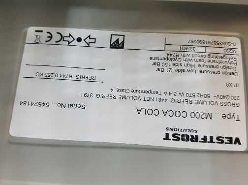 Siemens Kühlschrank Kälte Einstellen : Coca cola kühlschrank der marke vestfront solutions m mit der