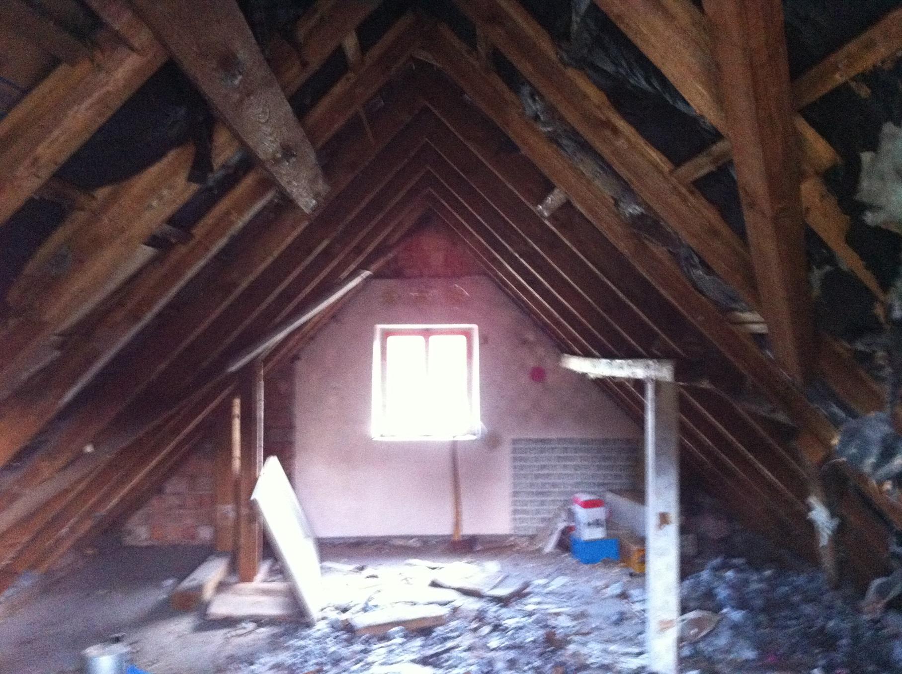 dachstuhl altbau wozu diese balken haus hausbau renovierung. Black Bedroom Furniture Sets. Home Design Ideas