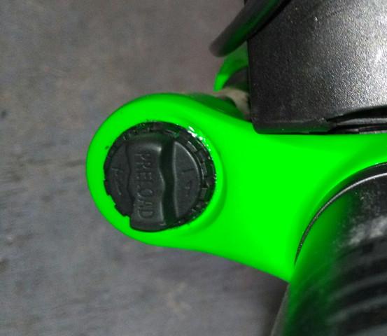 Der schwarze läst sich sehr schwer verstellen... - (Fahrrad, MTB, Rad)