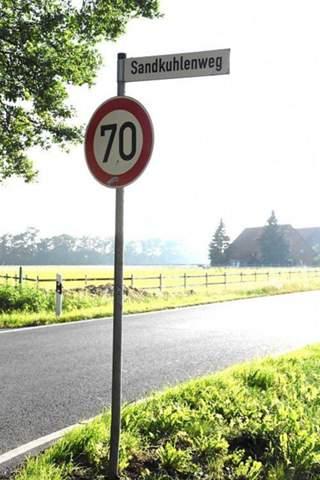 Darf ein blitzer hinter einem geschwindigkeits schild stehen oder paar meter danah?