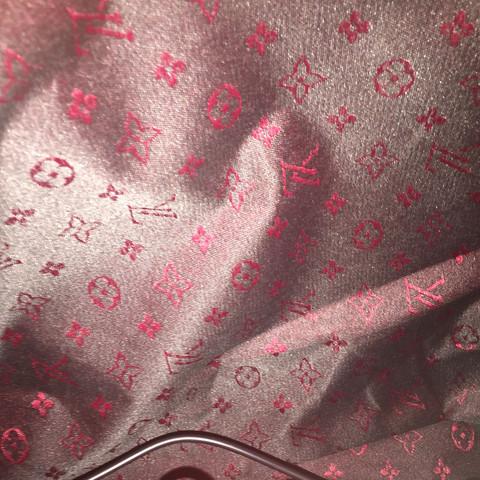 So sieht die Tasche von drin aus - (Berlin, Flughafen, Fake)