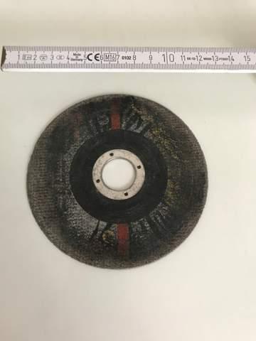 Darf man mit der Trennscheibe Stahlguss schneiden, ich muss einen 1,5 cm dicken Rundstahl durchtrennen?