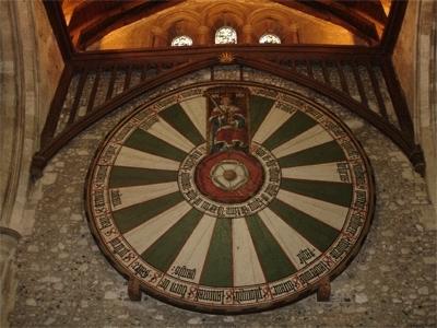Tischplatte der Tafelrunde in der Graet Hall Winschester - (Sport, Dart)
