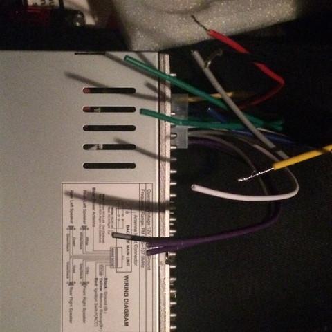 Das Radio möchte ich OHNE ISO Stecker anschließen. Wie mache ich das ...