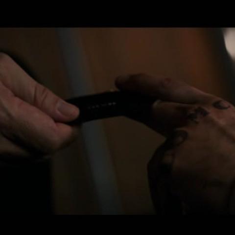 Agent Smith rekrutiert Mann mit Knöcheltattoos - (Film, Tattoo, Superhelden)