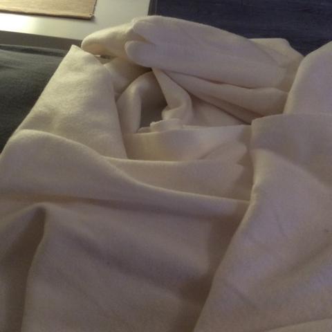 Decke Stinkt Nach Neu Was Dagegen Tun Hausmittel Geruch Ikea
